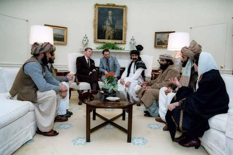 مبارزه با اسلام ابزار نوین سرکوب بورژوازی Reaganandmujahideen1