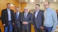 Steinmeier und die Nazi Putsch Bande in Kiew