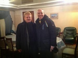 Elmar Brok mit den Mord Nazis in Kiew: Andrej Parubi