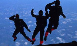 Parachutistes-760822-jpg_510628